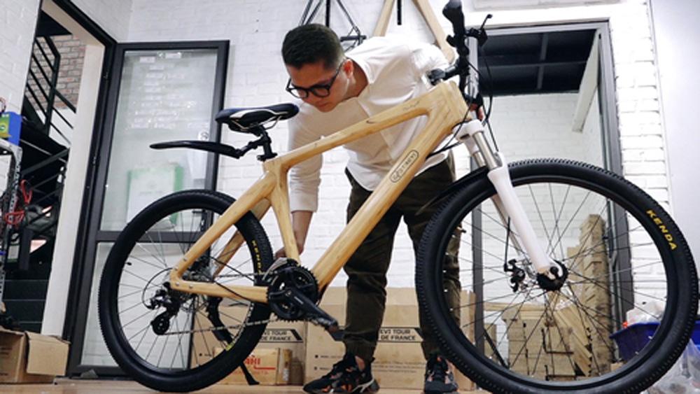 Chàng trai làm xe đạp tre bán 60 triệu đồng mỗi chiếc
